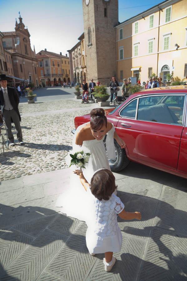un matrimonio rilassato con uno sposo in converse (12)