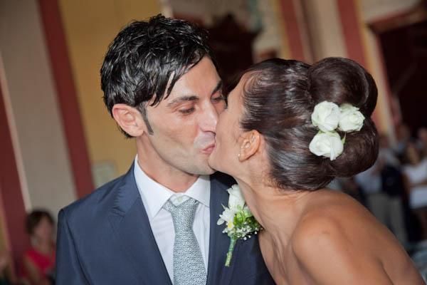 un matrimonio rilassato con uno sposo in converse (14)