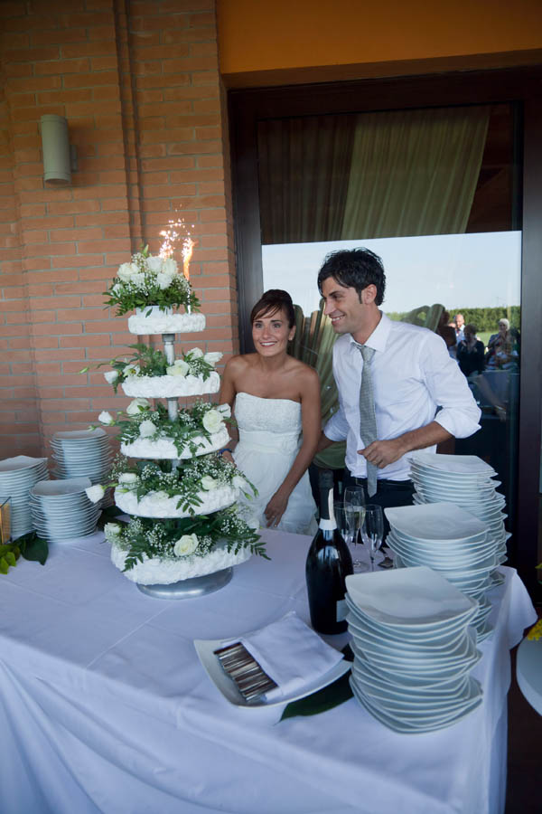 un matrimonio rilassato con uno sposo in converse (42)
