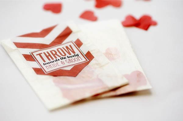 480x319xbloved-uk-wedding-blog-diy-chevron-confetti-pouch.jpg.pagespeed.ic.qvTpwe17v-