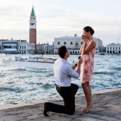 Un engagement shoot a sorpresa a Venezia: Anna e Maksim
