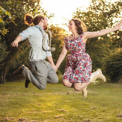 Un rock the dress bohémien: Annie e Matt