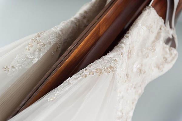 uno sposo indiano e una sposa in abito corto - aberrazioni cromatiche-12