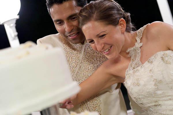 uno sposo indiano e una sposa in abito corto - aberrazioni cromatiche-30