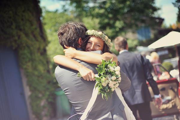 Matrimonio Tema Anni 80 : Idee per indossare fiori nei capelli
