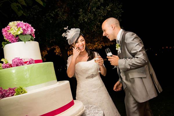 torta nuziale verde e fucsia