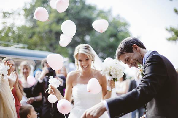 rilascio palloncini rosa