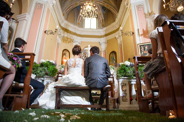Matrimonio Country Chic Chiesa : Idee per allestire la cerimonia in chiesa wedding