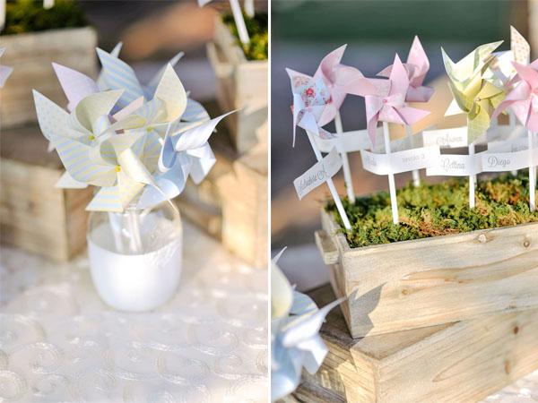 pinwheel escort card display