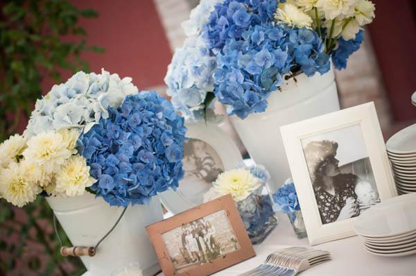 Centrotavola Matrimonio Azzurro : Matrimonio azzurro con libri e ortensie