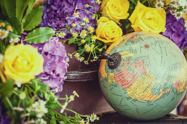 matrimonio tema viaggi giallo e viola