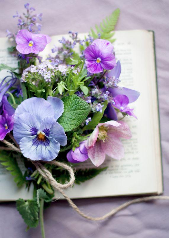 Matrimonio Viola E Azzurro : Inspiration board matrimonio viola e azzurro wedding