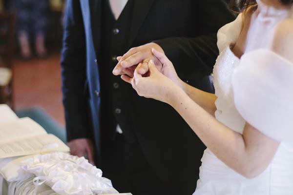 Matrimonio In Blu E Bianco : Un matrimonio bianco e blu nella campagna bolognese