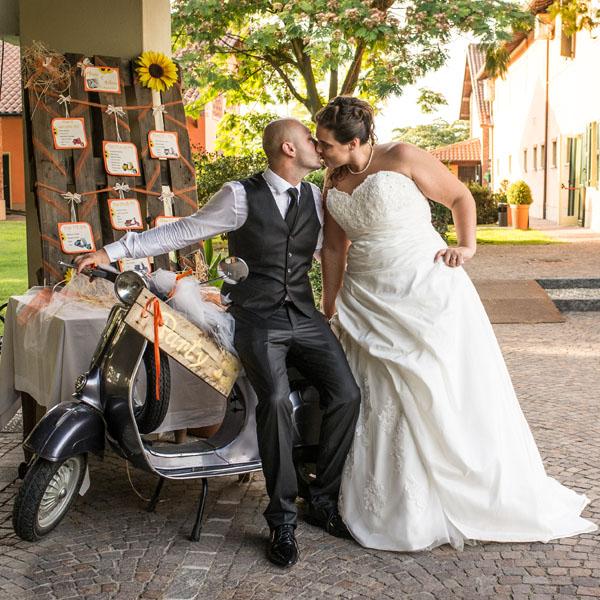Idee Per Matrimonio Tema Girasoli : Matrimonio estivo in vespa