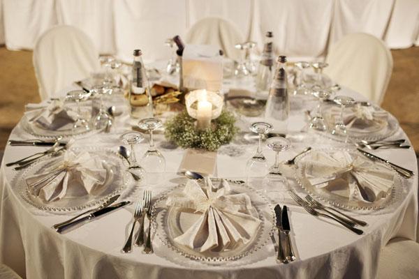 Matrimonio Rustico Tavolo : Matrimonio romantico con merletti