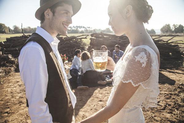 Matrimonio Rustico Piemonte : Un matrimonio rustico e vintage con tocchi di rosso