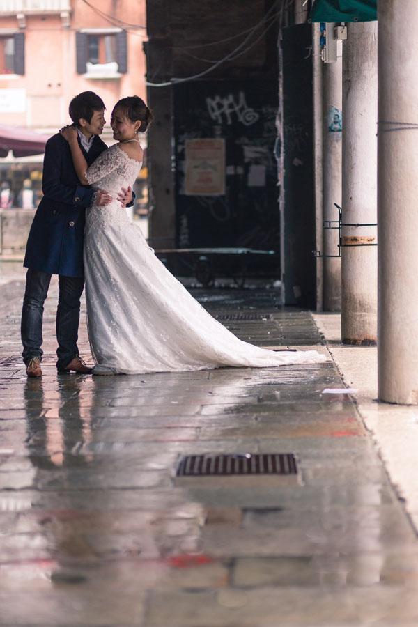 Matrimonio Rustico Veneto : Un trash the dress a venezia eunice e anita wedding
