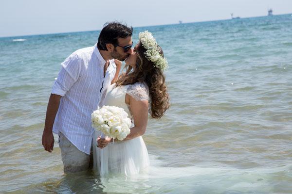Un trash the dress sul mare: Ana Claudia e Gianmarco