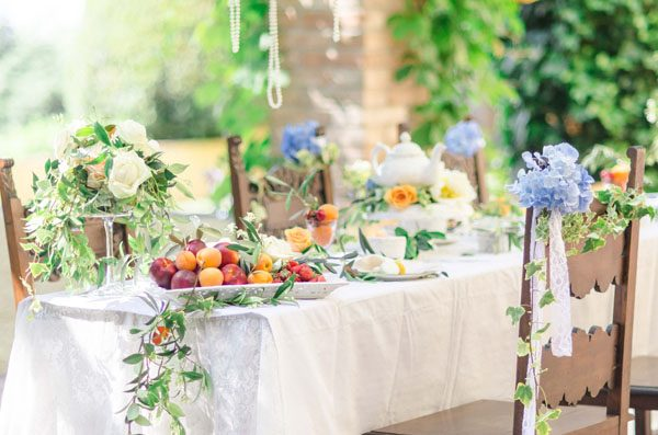 Inspiration shoot: Edera e rami di ulivo per un matrimonio country chic