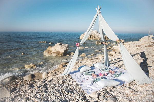 Matrimonio In Spiaggia Al Tramonto : Un matrimonio boho chic in riva al mare