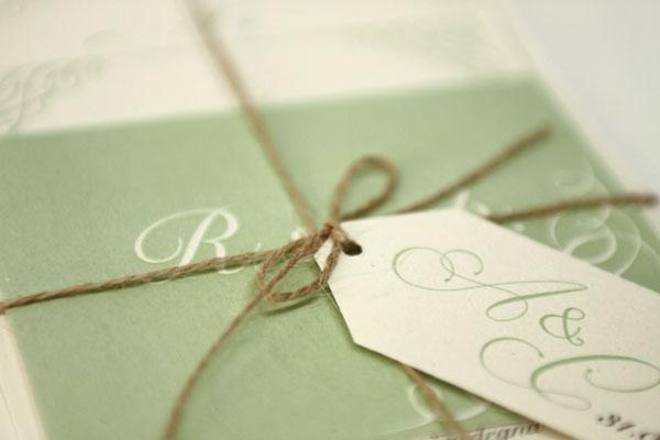 Tessuti naturali per un matrimonio in verde: Alice e Carlo