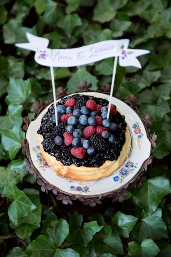 wedding cake ai frutti di bosco