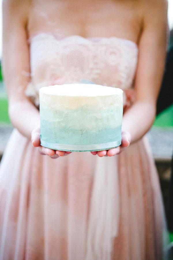 torta azzurra effetto acquerello