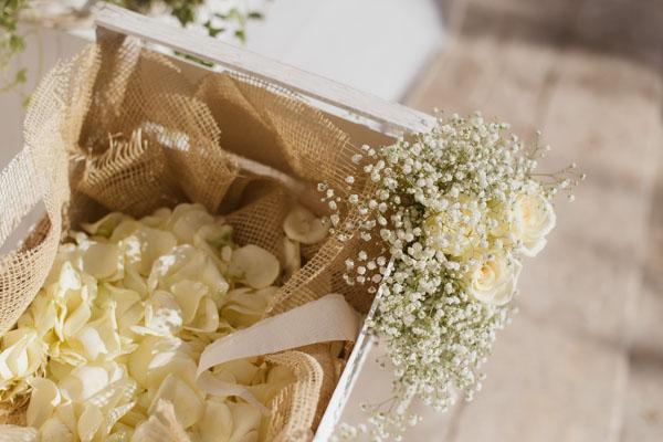 Segnaposto Matrimonio Country Chic : Un matrimonio shabby chic in puglia ramona e andrea