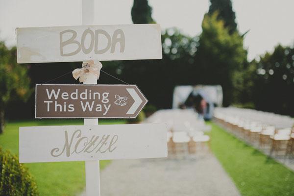 Dettagli retrò per un matrimonio all'aperto: Alexandra e Alessandro