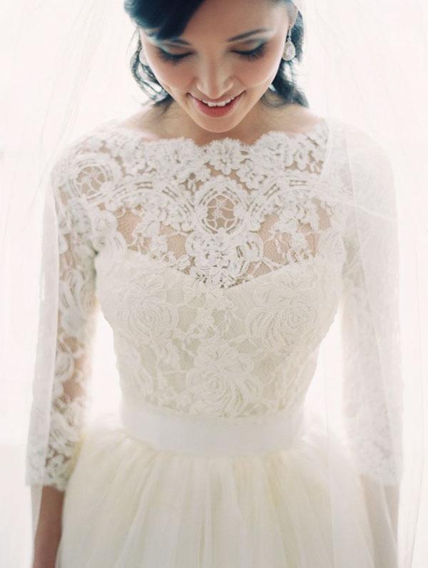 abito sposa con maniche lunghe in pizzo