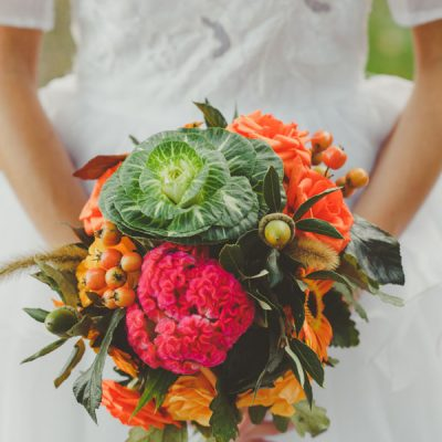 Inspiration shoot: un abito da sposa anni '70 per un matrimonio autunnale