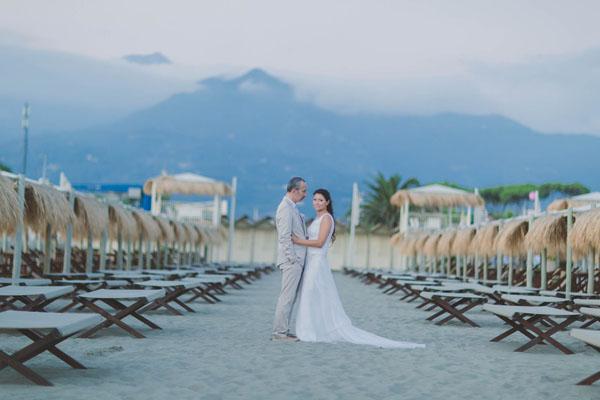 matrimonio sulla spiaggia forte dei marmi | colorblind production-20