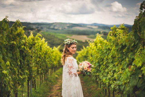Gypsophila e foglie d'ulivo per un matrimonio in Toscana: Emmanuelle e Amayes