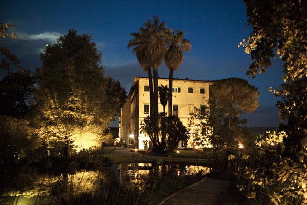 matrimonio romantico bianco e fucsia San Benedetto del Tronto | francescafrancesca-19