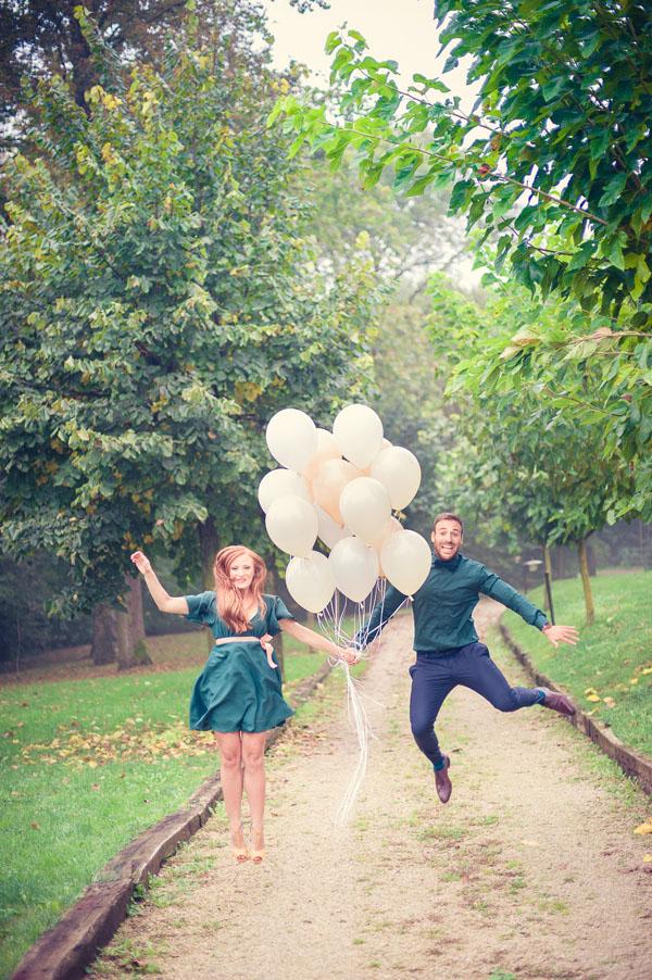 engagement session anni 50 con palloncini