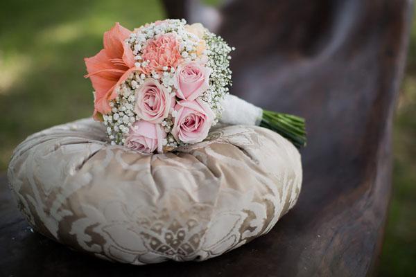 bouquet di amaryllis, rose e gypsophila