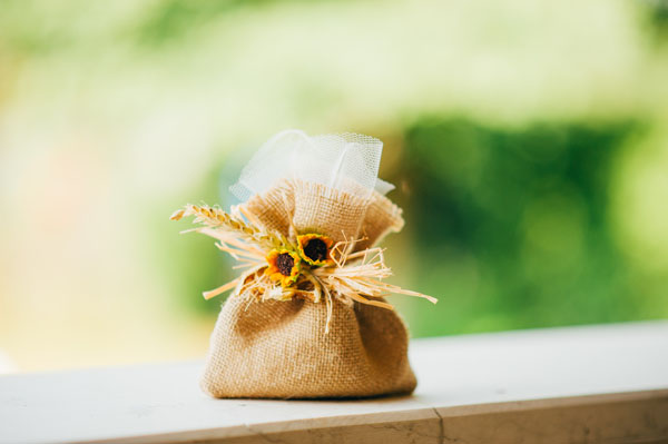 Bomboniere Matrimonio Girasoli : Matrimonio country chic con girasoli e limoni