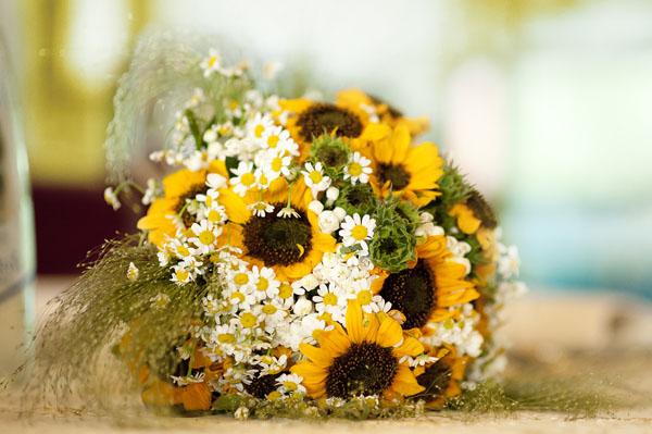 Matrimonio Girasoli E Spighe : Matrimonio country chic con girasoli e limoni