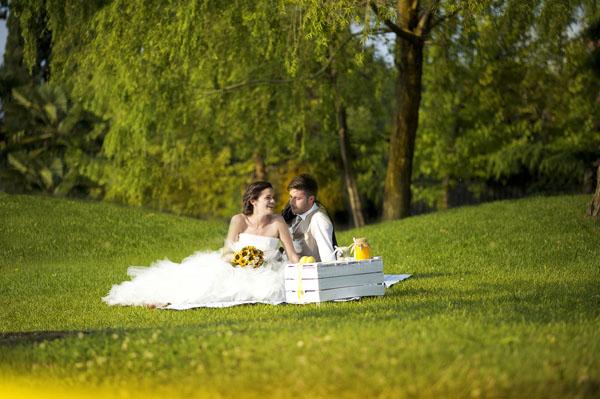 Matrimonio Bohemien Zone : Matrimonio country chic con girasoli e limoni