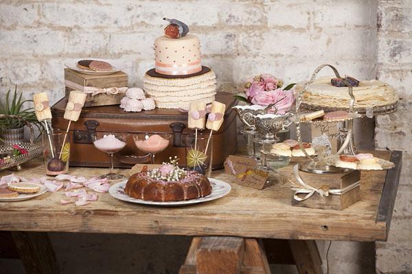 sweet table modern vintage
