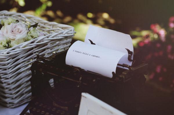 macchina da scrivere come decorazione