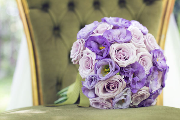 bouquet con lisianthus e rose lilla