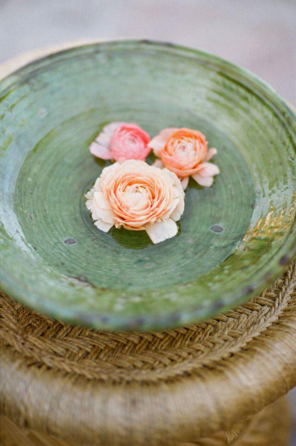 fiori galleggianti per matrimonio bohemien
