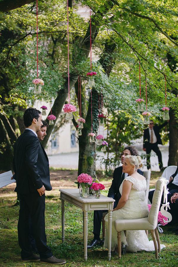 cerimonia all'americana con fiori fucsia
