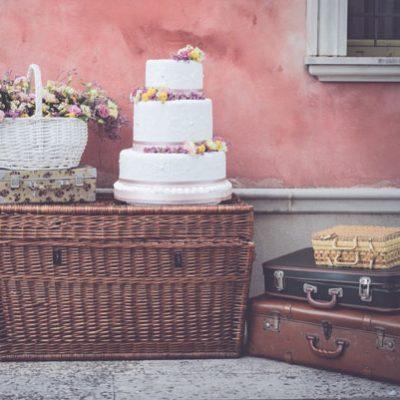Un picnic per un matrimonio primaverile
