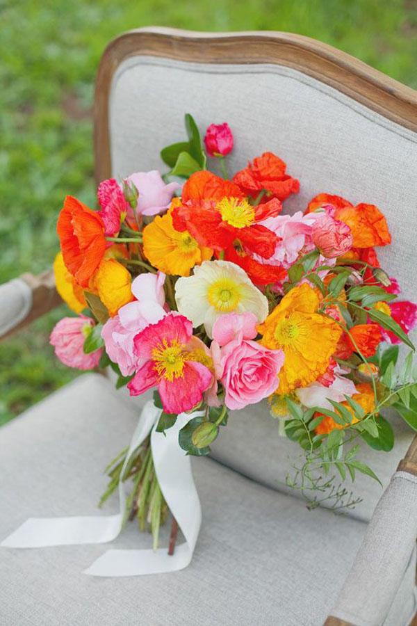 papaveri per un matrimonio in primavera