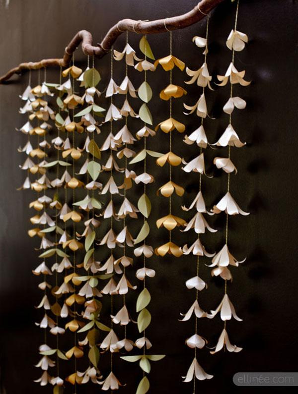 sfondo per photo booth con fiori di carta
