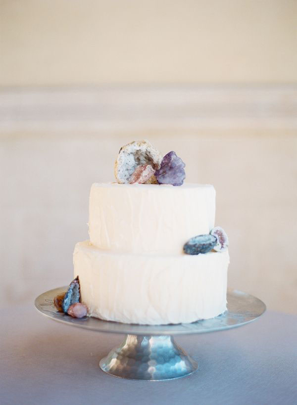 torta nuziale con geodi