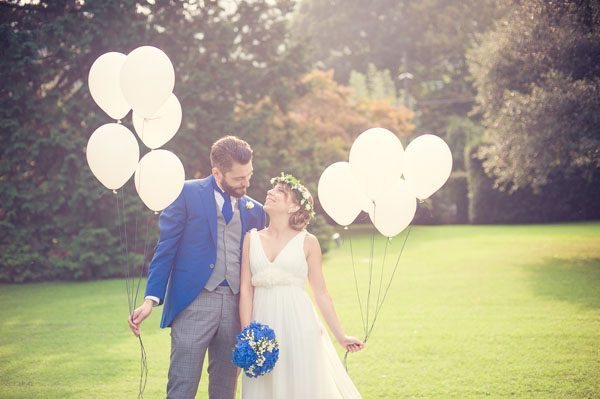 Rosmarino e ortensie blu per un matrimonio bohémien