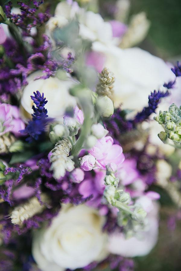 fiori bianchi, lilla e lavanda